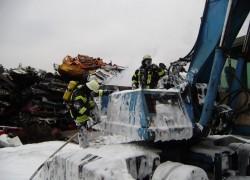 Baggerbrand; Fuhrberger Weg - Firma Struck