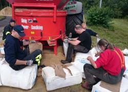 Hilfe beim Flüchtlingslageraufbau 1