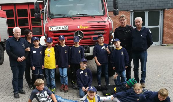 kinderfeuerwehr besucht wache der bundeswehr feuerwehr trbpl bergen - Bundeswehr Feuerwehr Bewerbung